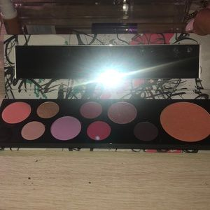 MAC Cosmetics Makeup - Brand new Mac fashion fanatic palette